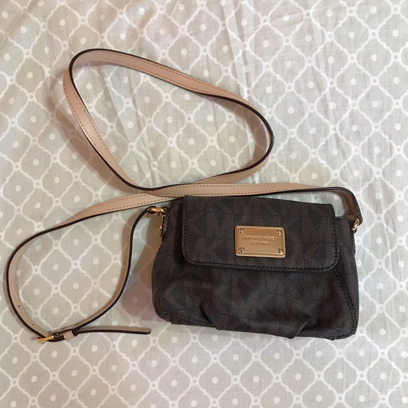 0136a61efe8958 Michael Kors Bags | Jet Set Small Flap Crossbody | Poshmark